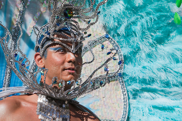 Paraiso School of Samba at Notting Hill Carnival 2011, Bank Holiday Monday, photo: Bettina Strenske