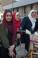 Milano, Biciclettata delle donne musulmane contro la violenza sulle donne e la discriminazione di genere. 12 Mar 2017<br /> Milan, bike ride of Muslim women against violence against women and gender discrimination. March 12, 2017