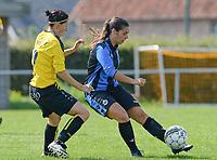 DVK Egem - Club Brugge Dames B :  Amy Roman op de huid gezeten door Lies Van Hamme (links) <br /> Foto David Catry | VDB | Bart Vandenbroucke