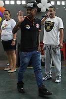 SAO PAULO, SP, 05.10.2015 - CORINTHIANS - Malcom jogador do Corinthians durante Ação do Dia das Crianças, no Parque São Jorge no Tatuapé região leste de São Paulo nesta segunda-feira, 05. (Foto: Marcos Moraes / Brazil Photo Press)