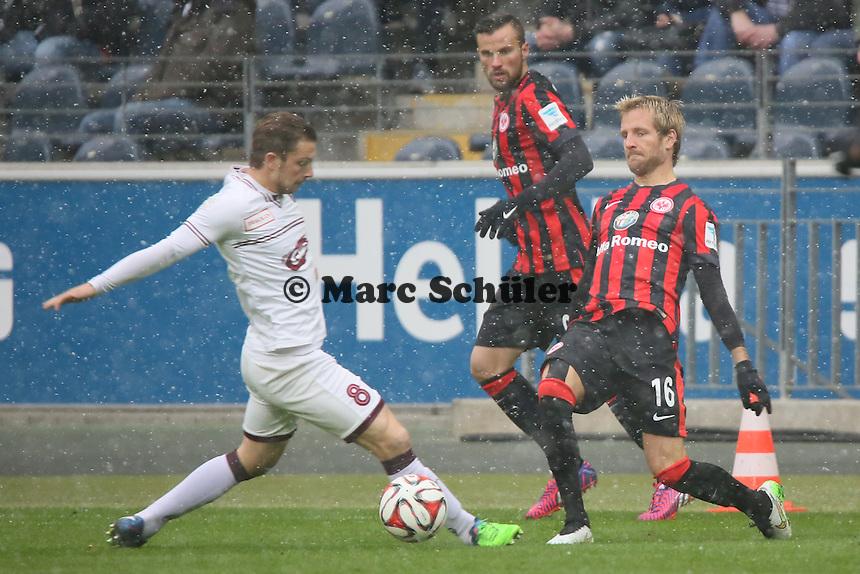 Stefan Aigner (Eintracht) gegen Alexandre Pasche (Genf) - Eintracht Frankfurt vs. Servette Genf, Commerzbank Arena