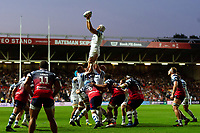 Dave Attwood of Bath Rugby wins the ball at a lineout. Gallagher Premiership match, between Bristol Bears and Bath Rugby on August 31, 2018 at Ashton Gate Stadium in Bristol, England. Photo by: Patrick Khachfe / Onside Images
