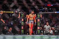 NOVA YORK, EUA, 02.11.2019 - UFC-NOVA YORK - Corey Anderson (vermelho) e Johnny Walker (azul) durante UFC 244 no Madison Square Garden na cidade de Nova York neste sábado, 02. (Foto: Vanessa Carvalho/Brazil Photo Press/Folhapress)