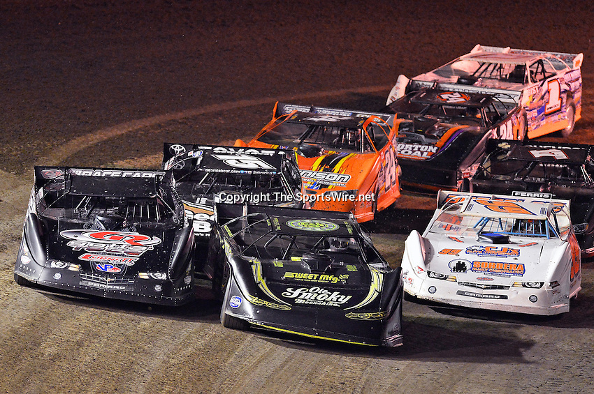 Feb 20, 2014; 7:45:14 PM;  Barberville, FL, USA;  World of Outlaws Late Model Series for 43rd Annual DIRTcar Nationals presented by Summit Racing Equipment at Volusia Speedway Park.  Mandatory Credit: (thesportswire.net)
