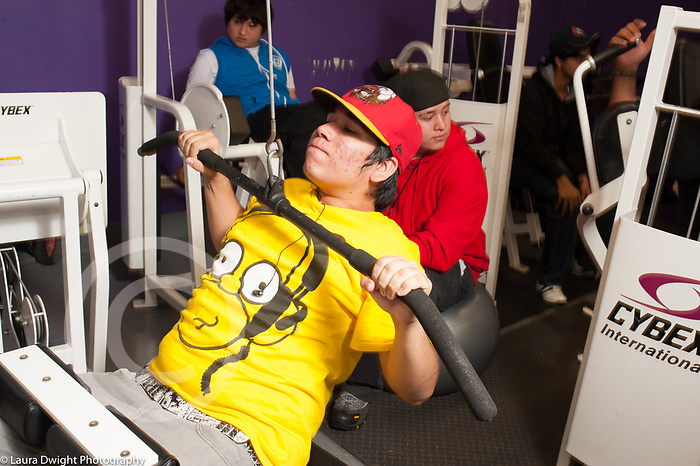 Education High School physical education elective weight lifting teenagers using equipment