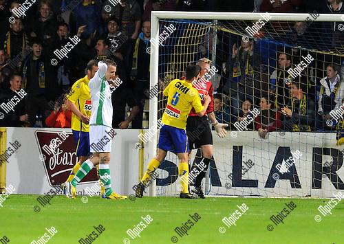 2013-09-20 / Voetbal / seizoen 2013-2014 / KVC Westerlo - Boussu Dour /  Koen Van Langendonck redt de penalty van Boussu Dour<br /><br />Foto: Mpics.be