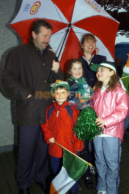 Alan Clodagh, Jessica and parents Alan and Maria manning at the Parade in slane..Picture Fran Caffrey Newsfile.