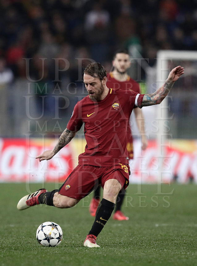 Football Soccer: UEFA Champions League  Round of 16 Second Leg, AS Roma vs FC Shakhtar Donetsk, Stadio Olimpico Rome, Italy, March 13, 2018. <br /> Roma's Captain Daniele De Rossi in action during the Uefa Champions League football soccer match between AS Roma and FC Shakhtar Donetsk at Rome's Olympic stadium, March 13, 2018.<br /> UPDATE IMAGES PRESS/Isabella Bonotto