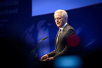"""Bundesverkehrsminister Peter Ramsauer (CSU) spricht am Montag (27.05.13) in Berlin waehrend einer Internationalen Konferenz"""" Elektromobilität bewegt"""". Foto: Timur Emek/CommonLens"""