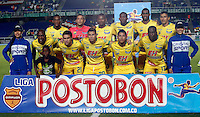 CALI - COLOMBIA -05 -03-2014: Los jugador de Atletico Huila posan para una foto durante partido pendiente de la sexta fecha de la Liga Postobon I-2014, jugado en el estadio Pascual Guerrero de la ciudad de Cali. / The Players of Atletico Huila pose for a photo during a pending match for the sixth date of the Liga Postobon I-2014 at the Pascual Guerrero stadium in Cali city. Photo: VizzorImage  / Juan C Quintero / Str.