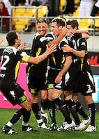 081128 A-League Football - Wellington Phoenix v Melbourne Victory