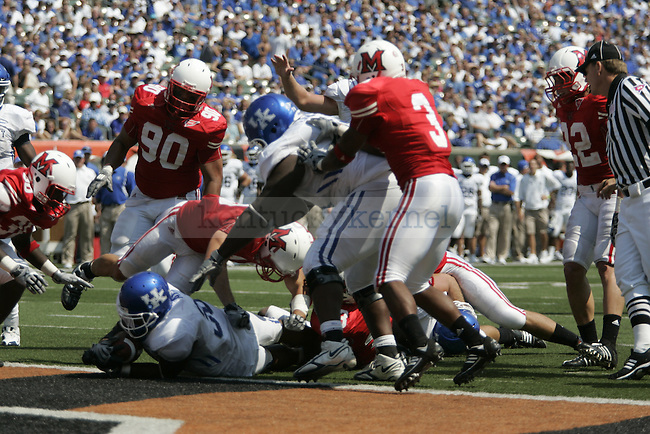 UK junior tailback Moncell Allen ran nine yards to score a touchdown during the beginning of the fourth quarter against Miami-Ohio on Saturday, Sept. 5, 2009 at Paul G. Brown Stadium in Cincinnati, Ohio. The Cats beat the Red Hawks 42-0. Photo by Allie Garza | Staff.
