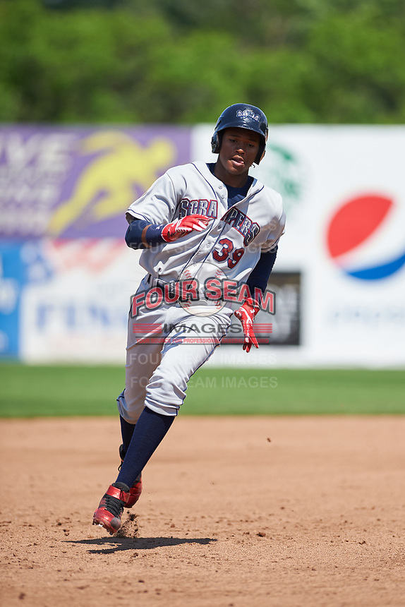 Mahoning Valley Scrappers right fielder Oscar Gonzalez (39) running the bases during the second game of a doubleheader against the Auburn Doubledays on July 2, 2017 at Falcon Park in Auburn, New York.  Mahoning Valley defeated Auburn 3-2.  (Mike Janes/Four Seam Images)