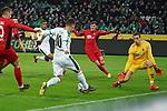 15.03.2019, Borussia Park , Moenchengladbach, GER, 1. FBL,  Borussia Moenchengladbach vs. SC Freiburg,<br />  <br /> DFL regulations prohibit any use of photographs as image sequences and/or quasi-video<br /> <br /> im Bild / picture shows: <br /> Flanke von Thorgan Hazard (Gladbach #10),  zu Alassane Pl&eacute;a (Gladbach #14),  fuehrt zum  1:1<br /> <br /> Foto &copy; nordphoto / Meuter