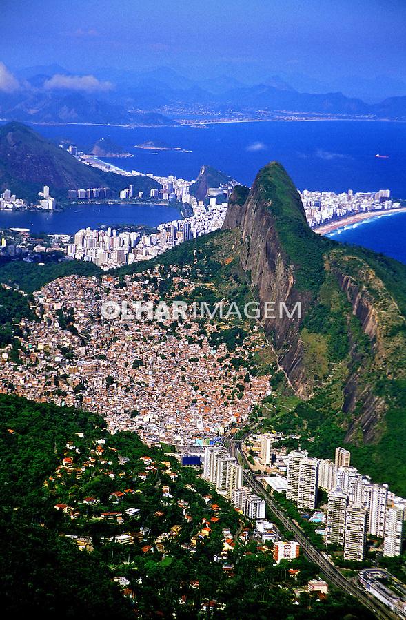 Vista  aérea de São Conrado. Rio de Janeiro. 2002. Foto de Stefan Kolumban.