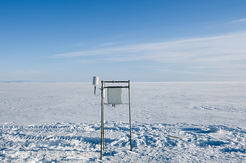 Automatic weather stations are built every spring at 10 different sites on the ice cap. They are dismantled before the winter creeps in, as the winter snow, up to 10 m thick, would cover them completely and they would be lost forever. Most of the stations measure air temperature, wind, solar radiation and surface melting.