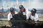 20171210/ Fernando Mor&aacute;n - adhocFOTOS/ URUGUAY/ LAVALLEJA / Parque Rod&oacute;, Minas - El asado con cuero m&aacute;s grande del mundo. Record Guinness.<br /> En la foto: Durante el evento El asado con cuero m&aacute;s grande del mundo en el Parque Rod&oacute;, Minas, Lavalleja. Foto: Fernando Mor&aacute;n/ adhocFOTOS