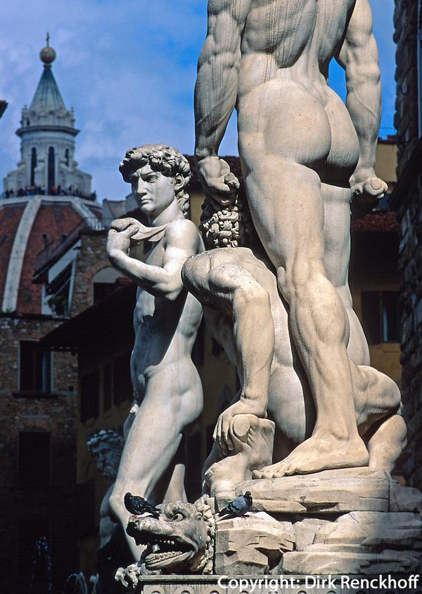 Piazza della Signoria, David von Michelangelo und Herkules von Bandinelli, Florenz, Toskana, Italien, Unesco-Weltkulturerbe