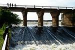 ETHIOPIA, Gambela, Abobo, Alwero dam and reservoir, was built with soviet aid during communist Derg time, today the Saudi Star Agricultural Development PLC builds a new canal to irrigate thr rice farm of about 10.000 hectares , Saudi Star is owned by Saudi-Ethiopian billionaire Sheikh Mohamed al-Amoudi / AETHIOPIEN, Gambela, Abobo, Alwero Staudamm, gebaut in den 1980er Jahren mit sowjetischer Entwicklungshilfe zur Bewaesserung von Grossfarmen, der Investor Saudi-Star zweigt von hier Wasser mit einem neugebautem Damm ab um seine 10.000 Hektar Basmati Reisfelder in der Trockenzeit zu bewaessern