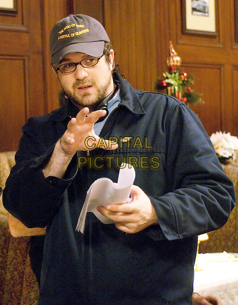 SETH GORDON (DIRECTOR).on the set of Four Christmases.*Filmstill - Editorial Use Only*.CAP/FB.Supplied by Capital Pictures.