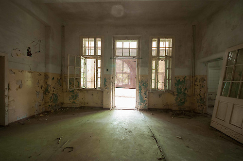 This is an old hosptial just outside Berlin. Stunning location to explore.