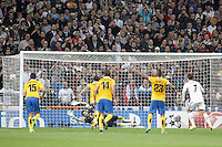 Real Madrid´s Cristiano Ronaldo scores a penalty kick during Champions League 2013-14 match in Bernabeu stadium, Madrid. October 23, 2013. (ALTERPHOTOS/Victor Blanco)