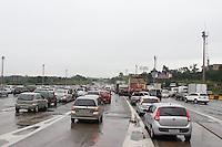 SAO PAULO, SP, 05.03.2014 - ESTRADAS - VOTA CARNAVAL - Transito intenso na chegada da cidade de São Paulo, na altura do KM 32, da rodovia Ayrton Senna, na tarde desta quarta-feira, 5 . (Foto: Andre Hanni /Brazil Photo Press).