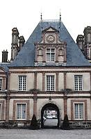 Fontainbleau. Northern Range, Cour de Cheval Blanc. Photo '90.
