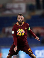 Calcio, Serie A: Roma vs Milan. Roma, stadio Olimpico, 12 dicembre 2016.<br /> Roma&rsquo;s Daniele De Rossi controls the ball during the Italian Serie A football match between Roma and AC Milan at Rome's Olympic stadium, 12 December 2016.<br /> UPDATE IMAGES PRESS/Isabella Bonotto