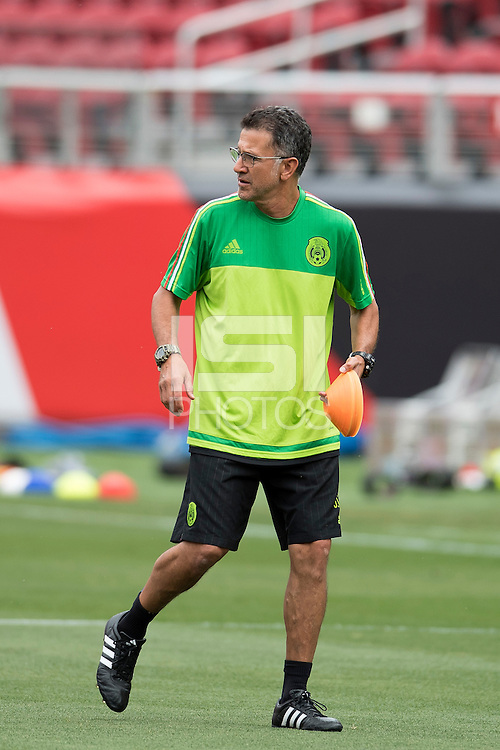 Action photo during Training Selection of Mexico before its match against Chile Corresponds to the quarterfinals of the America Cup Centenary 2016 at Levis Stadium,<br /> <br /> Foto de accion durante el Entrenamiento de la Seleccion de Mexico previo a su partido contra Chile Correspondiente a los Cuartos de Final de la Copa America Centenario 2016, en el Estadio Levis, en la foto: Juan Carlos Osorio DT<br /> <br /> <br /> 17/06/2016/MEXSPORT/Omar Martinez.