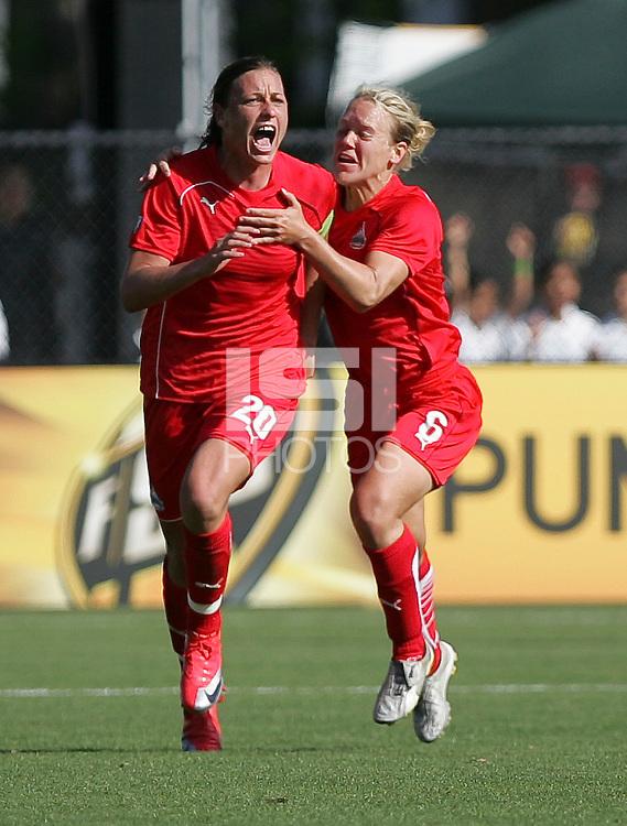 Abby Wambach (2) and Lori Lindsey (6). Washington Freedom defeated FC Gold Pride 4-3 at Buck Shaw Stadium in Santa Clara, California on April 26, 2009.
