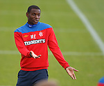 Maurice Edu telling a tale at training