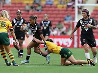 New Zealand's Nita Maynard attacks during the women's Rugby League World Cup final between Australia and New Zealand, Suncorp Stadium, Brisbane, Australia, 2 December 2017. Copyright Image: Tertius Pickard / www.photosport.nz MANDATORY CREDIT/BYLINE : Tertius Pickard/SWpix.com/PhotosportNZ