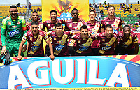 IBAGUÉ- COLOMBIA,20-04-2019:Formación del Deportes Tolima ante Alianza Petrolera.Acción de juego entre los equipos Deportes Tolima y Alianza Petrolera  durante partido por la fecha 17 de la Liga Águila I 2019 jugado en el estadio Manuel Murillo Toro de la ciudad de Ibagué. / Team of Deportes  Tolima agaisnt Alianza Petrolera. of Action game between teams  Deportes Tolima and  Alianza Petrolera  during the match for the date 17 of the Liga Aguila I 2019 played at the Manuel Murillo Toro stadium in Ibague city. Photo: VizzorImage / Juan Carlos Escobar / Contribuidor