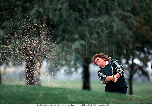DALE REID plays out of a bunker, The Solheim Cup, St Pierre, 960922. Photo: Neil Tingle/Action Plus...1996.women's golf.golf.sand trap bunker bunkers.chipping chip.pitching pitch.golfer golfers.woman