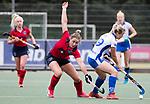 UTRECHT - Lieke van Wijk (Laren) met rechts Sophie Bray (Kampong)  tijdens de hockey hoofdklasse competitiewedstrijd dames:  Kampong-Laren . COPYRIGHT KOEN SUYK