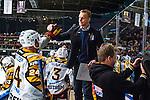 Stockholm 2013-12-07 Ishockey Elitserien AIK - Skellefte&aring; AIK :  <br /> Skellefte&aring;s assisterande tr&auml;nare Bert Robertsson g&ouml;r high five och jublar med Skellefte&aring;s Jonas Fr&ouml;gren efter att Skellefte&aring;s Joakim Lindstr&ouml;m gjort 3-1 i &ouml;ppen m&aring;lbur<br /> (Foto: Kenta J&ouml;nsson) Nyckelord:  AIK Skellefte&aring; SAIK jubel gl&auml;dje lycka glad happy