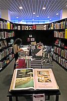 Livraria da Vila no Shopping Center JK Iguatemi. Sao Paulo. 2015. Foto de Juca Martins.