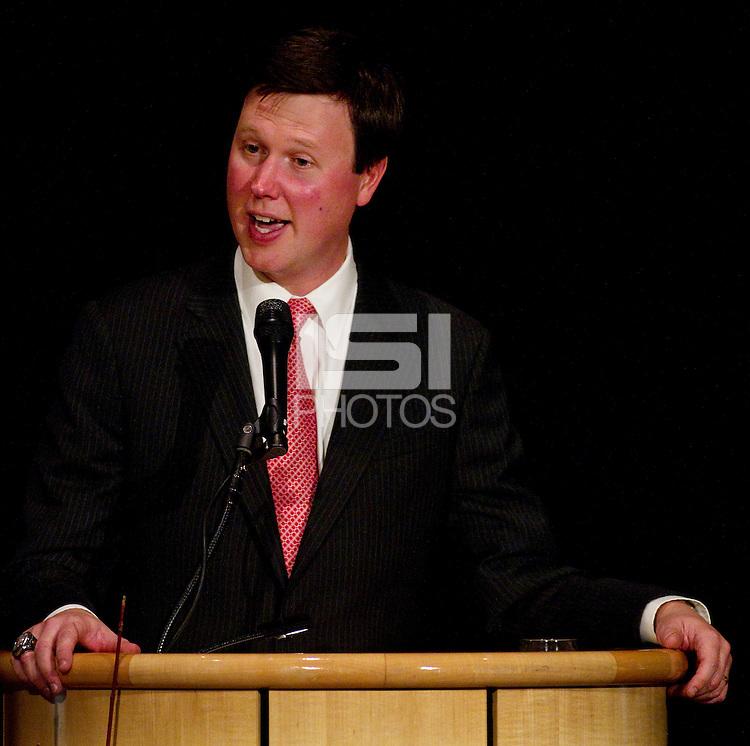 Dave Flemming master of ceremonies of the Stanford Athletics Hall of Fame, event on November 11, 2011, at the Alumni Center.  ( Norbert von der Groeben )