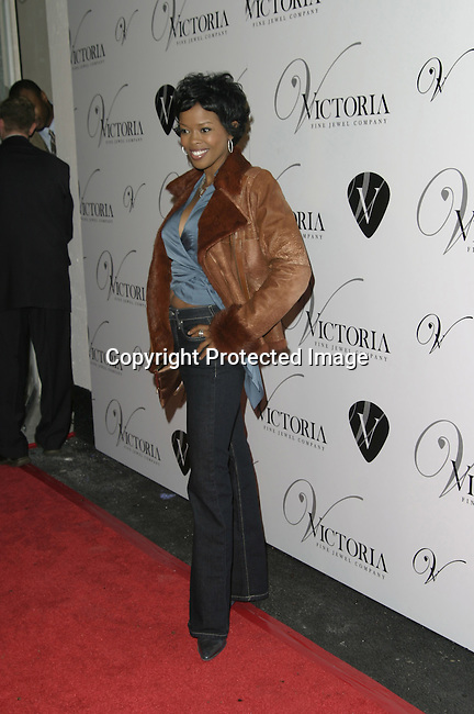 Malinda Williams<br />Grand opening of Victoria Jewels<br />Victoria Jewels<br />Beverly Hills, CA, USA <br />Thursday, December 11, 2003 <br />Photo By Celebrityvibe.com /Photovibe.com
