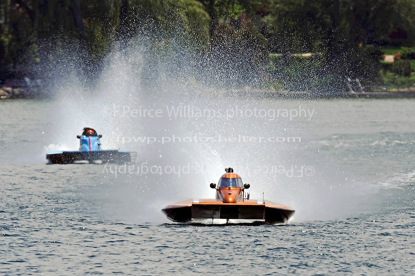 """Howie Schnabolk, S-80 """"On The Edge"""" and  S-67 """"Impossible Dream""""  (2.5 Litre Stock hydroplane(s)"""