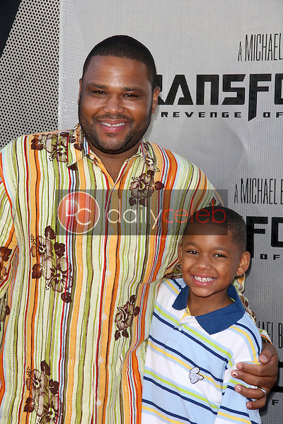 Anthony Anderson<br />at the Los Angeles Premiere of 'Transformers Revenge of the Fallen'. Mann Village Theatre, Westwood, CA. 06-22-09<br />Dave Edwards/DailyCeleb.com 818-249-4998