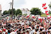 GORNO, POLAND, JULY 2, 2010:.Jaroslaw Kaczynski speaking to his supporters, on his presidential campaign rally..(Photo by Piotr Malecki / Napo Images)..GORNO, 1/07/2010:.Kampania wyborcza Jaroslawa Kaczynskiego. JK przemawia do swoich  zwolennikow. .Fot: Piotr Malecki / Napo Images.