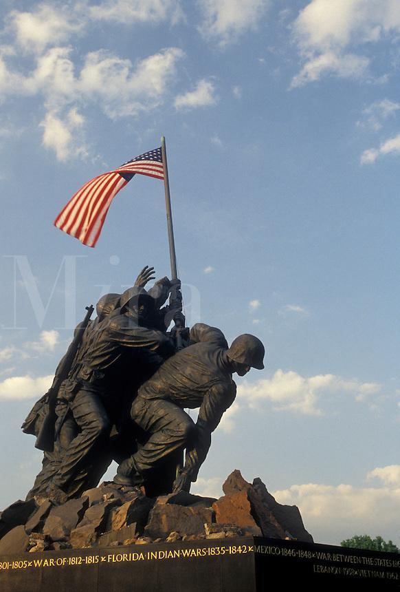 AJ4219, Arlington, Iwo Jima, National Cemetery, Virginia, Statue of the raising of the U.S. flag at Iwo Jima, The Marine Corps War Memorial in Arlington Nat'l Cemetery in Arlington in the state of Virginia.