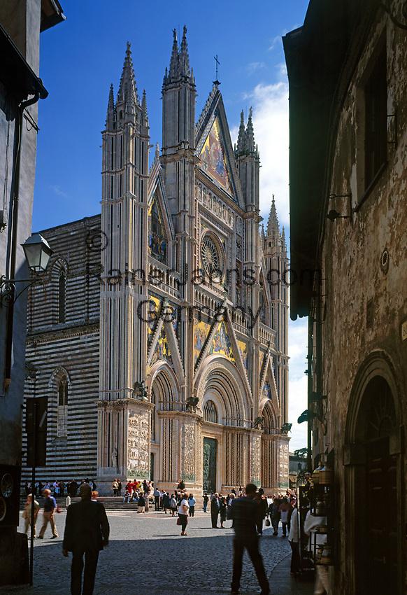 Italien, Umbrien, Orvieto: Dom Santa Maria (erbaut 13./14. Jh.) | Italy, Umbria, Orvieto: cathedral Santa Maria (built 13./14. century)