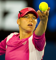Vera Zvonareva (RUS) (9)against Victoria Azarenka (BLR) (7) in the Fourth Round of the Womens Singles. Azarenka beat Zvonereva 4-6 6-4 6-0..International Tennis - Australian Open Tennis - Monday 25 Jan 2010 - Melbourne Park - Melbourne - Australia ..© Frey - AMN Images, 1st Floor, Barry House, 20-22 Worple Road, London, SW19 4DH.Tel - +44 20 8947 0100.mfrey@advantagemedianet.com