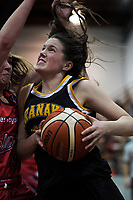 Taranaki's Nicole Cutler in action during the 2018 Women's Basketball League match between Canterbury Wildcats and Taranaki Thunder at Cowles Stadium in Christchurch, New Zealand on Sunday, 24 June 2018. Photo: Dave Lintott / lintottphoto.co.nz