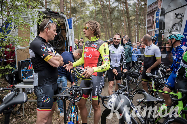 Johan Museeuw & Filippo 'Pipo' Pozzato (ITA/Wilier Triestina–Southeast) chatting ahead of the Tom Boonen farewell race/criterium 'Tom Says Thanks!' in Mol/Belgium (with some more cycling legends in the back)