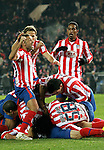 Atletico de Madrid's Simao Sabrossa, Cleber Santana and Jose Manuel Jurado celebrate during La Liga match. January 02, 2009. (ALTERPHOTOS/Alvaro Hernandez).