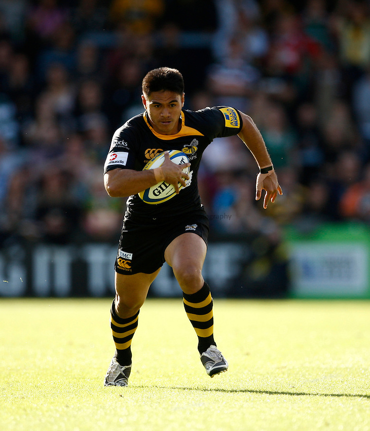 Photo: Richard Lane/Richard Lane Photography. London Wasps v Leicester Tigers. Aviva Premiership. 18/09/2010. Wasps' David Lemi attacks.